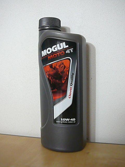 MOGUL MOTO 4T 10W-50 k mazání moderních vysoce výkonných benzinových čtyřdobých motorů sportovních motocyklů a čtyřkolek